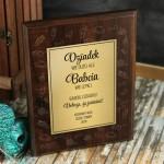Zdjęcie produktu Babcia Wie Lepiej - grawerowany dyplom z personalizacją dla dziadków