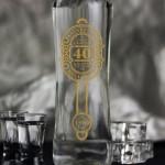 Zdjęcie produktu Uniwersalna de Luxe - grawerowana wódka z personalizacją na urodziny