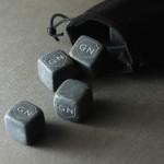 Zdjęcie produktu Tarcza - grawerowane kostki kamienne do whisky z personalizowanymi inicjałami
