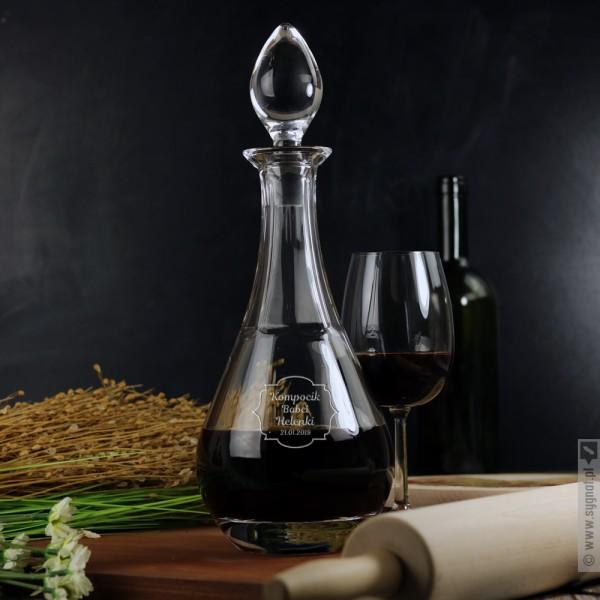 Kompocik - grawerowana karafka do wina z personalizacją dla Babci