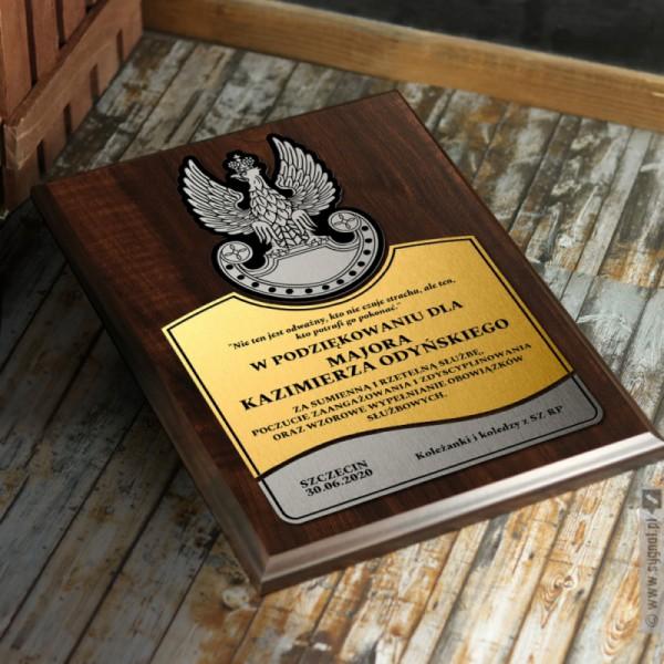 Grawerowany dyplom z personalizacją dla wojskowego