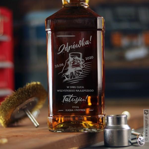 Zdrówka! - grawerowana whiskey z personalizacją dla Taty na Dzień Ojca