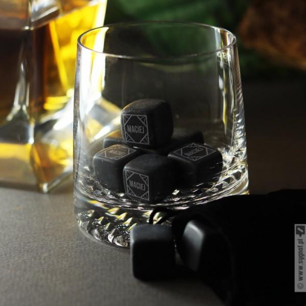 Kostki kamienne do whisky z wygrawerowanym imieniem