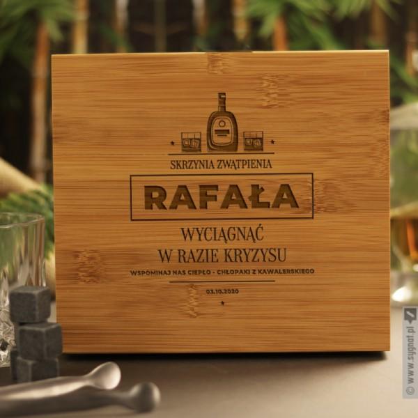 Skrzynia Zwątpienia - personalizowany zestaw do whisky na wieczór kawalerski