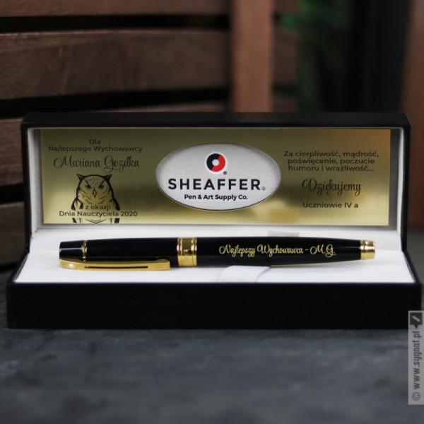Grawerowane pióro Sheaffer w etui z personalizacją dla nauczyciela