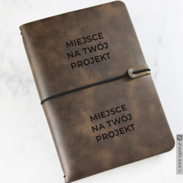 Brązowy notatnik z ekoskóry z własną personalizacją