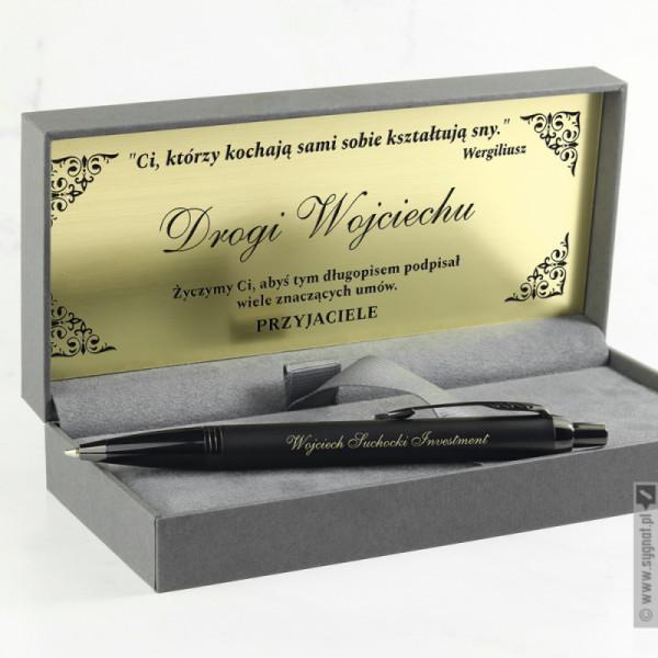 Czarny długopis Parker w personalizowanych etui