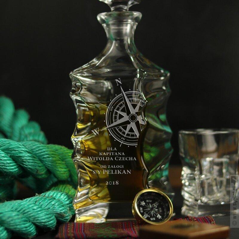 Zdjęcie produktu Róża Wiatrów - grawerowana karafka z personalizacją na dowolną okazję