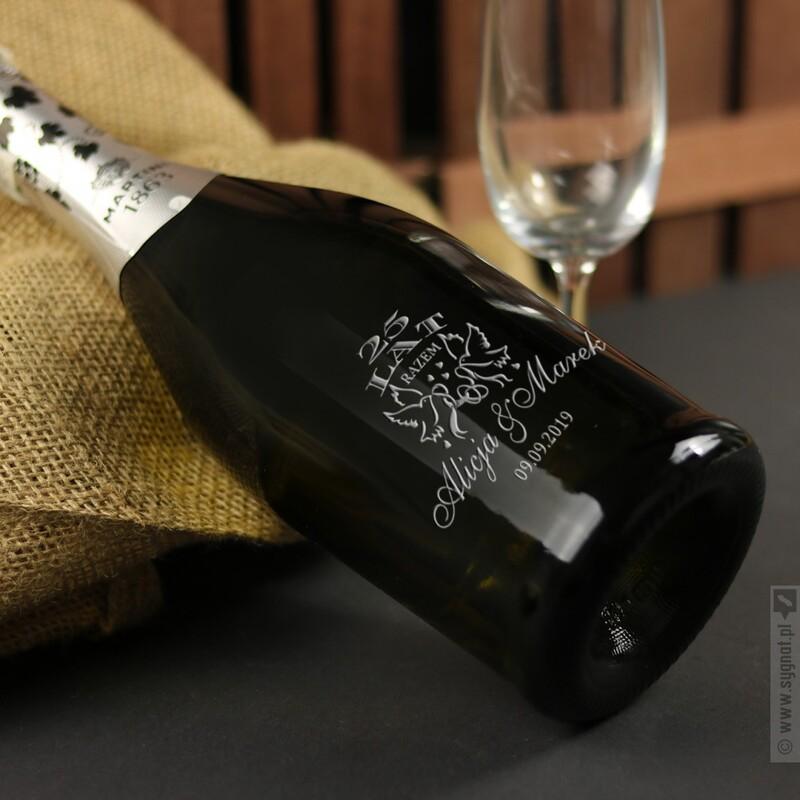 Zdjęcie produktu Wstęga Miłości - personalizowane wino musujące Prosecco z grawerunkiem z okazji rocznicy
