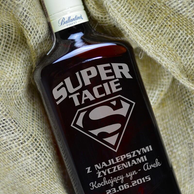 Zdjęcie produktu Super Tata -  grawerowana whisky Ballantine's dla Ojca