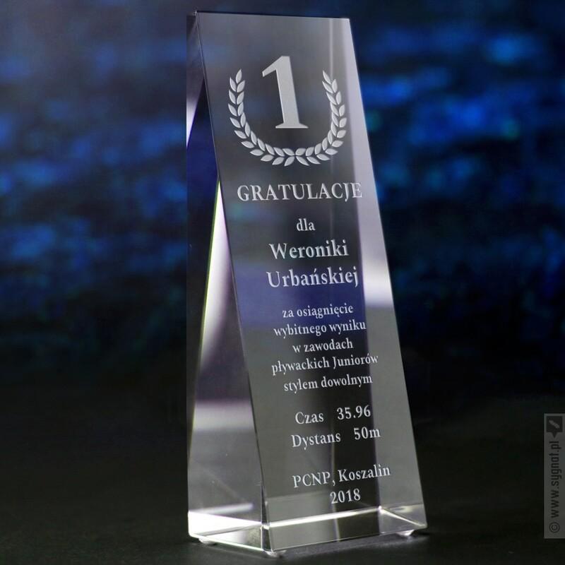 Zdjęcie produktu Winner - grawerowana szklana statuetka z personalizacją dla zwycięzcy