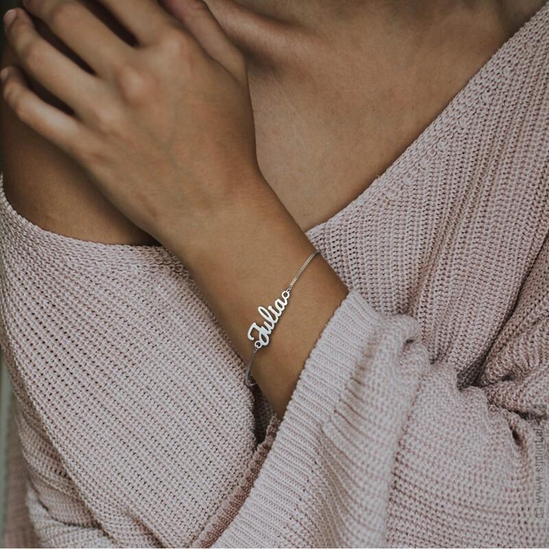 Zdjęcie produktu Imienna bransoletka z zawieszką wykonana ręcznie ze srebra