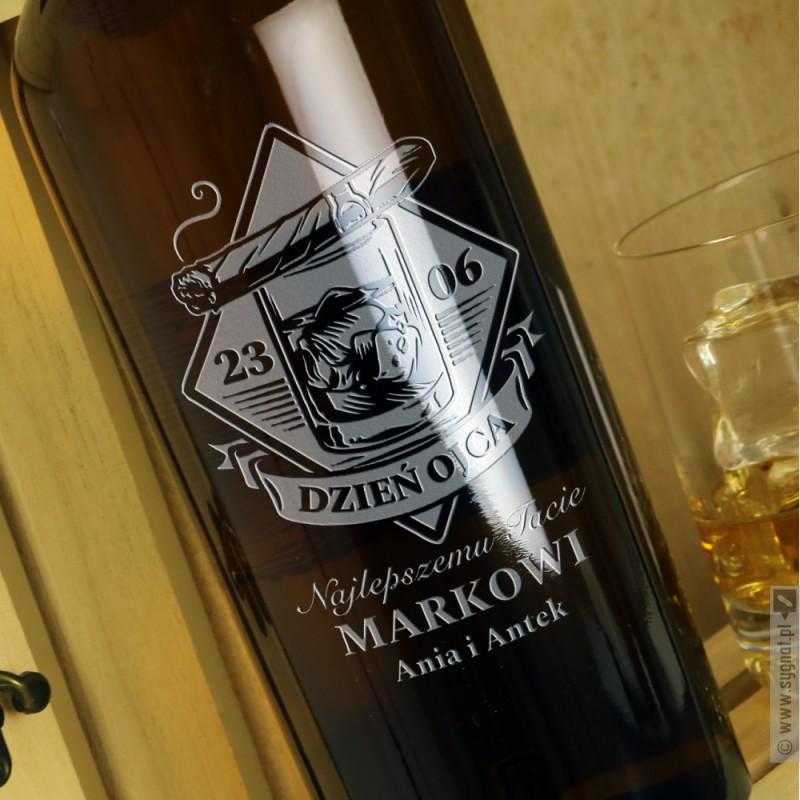 Zdjęcie produktu Najlepszemu Tacie - grawerowana whisky z personalizacją na Dzień Ojca