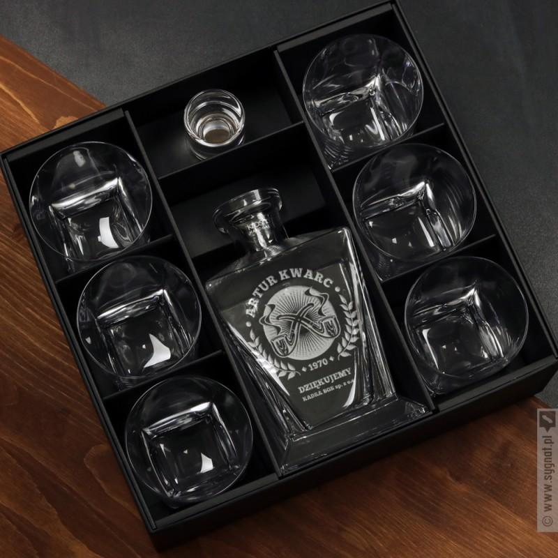 Zdjęcie produktu Niezbędnik Gentlemana - grawerowana karafka w komplecie z 6 szklankami