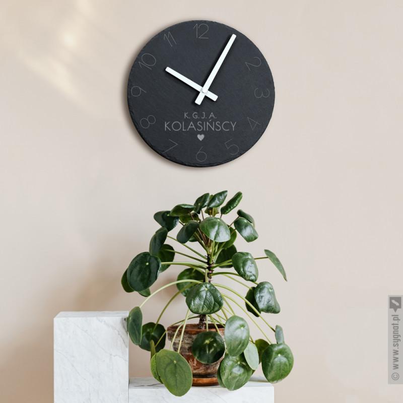 Zdjęcie produktu Rodzinka - kamienny zegar ścienny z wygrawerowaną personalizacją