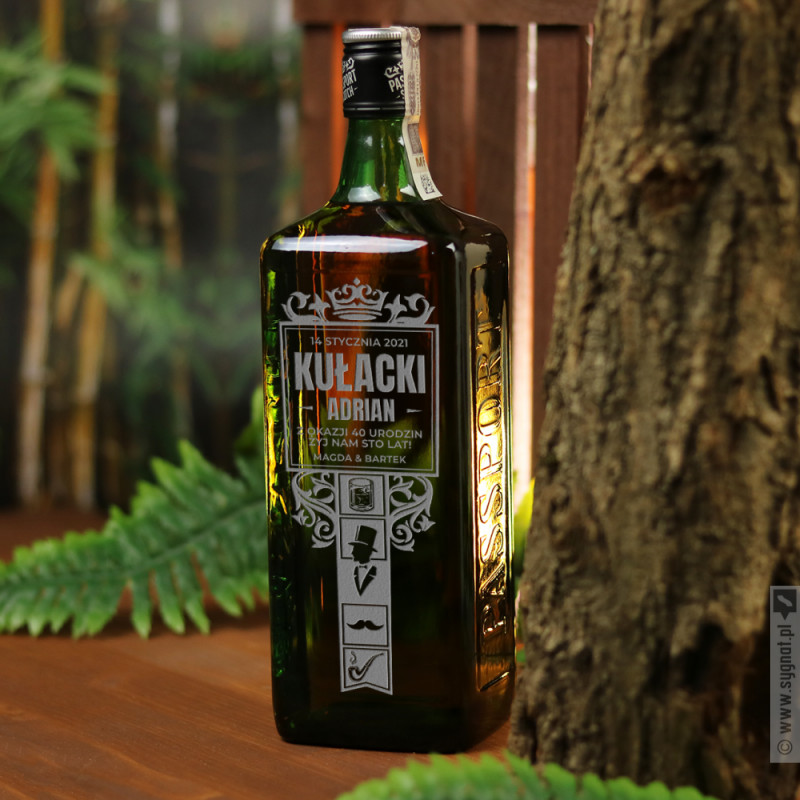 Zdjęcie produktu Whisky Gentlemana - grawerowana whisky Passport z personalizacją
