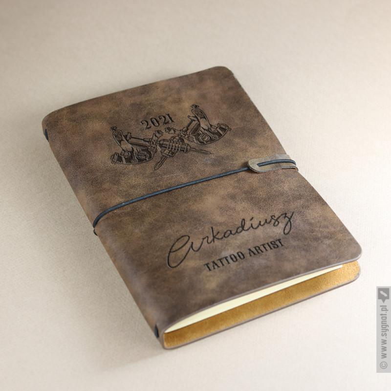 Zdjęcie produktu Tattoo Artist - grawerowany notatnik dla tatuażysty