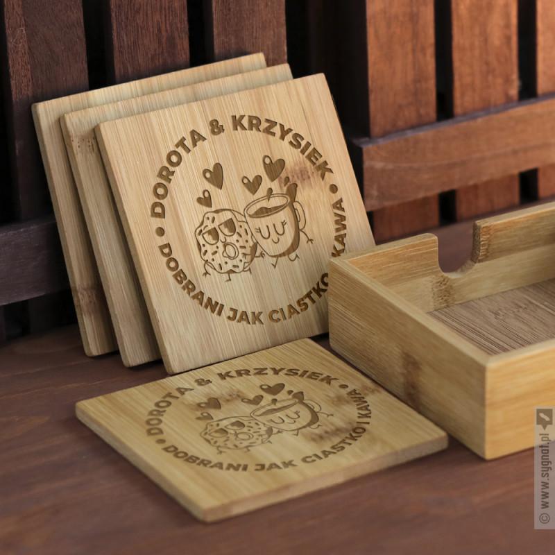 Zdjęcie produktu Ciastko i Kawa - zestaw grawerowanych podstawek pod napoje dla zakochanych