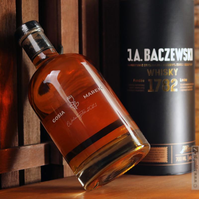 Zdjęcie produktu Rose - grawerowana whisky J. A. Baczewski z personalizacją dla ukochanej osoby