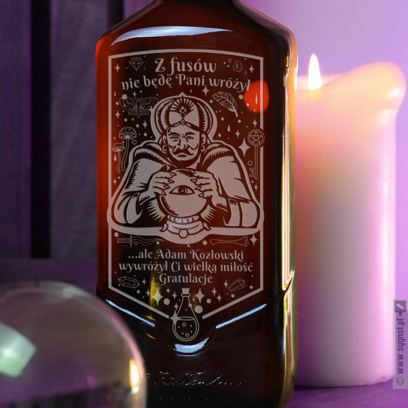 Zdjęcie produktu Miłosna Wróżba - grawerowana whisky Ballantine's z personalizacją