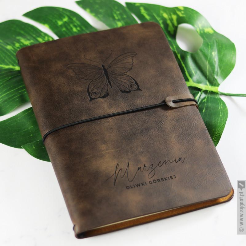Zdjęcie produktu Motyl - grawerowany notatnik brązowy lub czarny z personalizacją