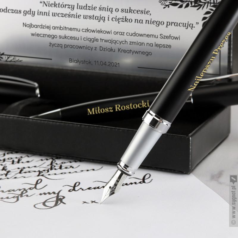 Zdjęcie produktu Dla Szefa - grawerowany zestaw piśmienniczy długopis i pióro z personalizacją