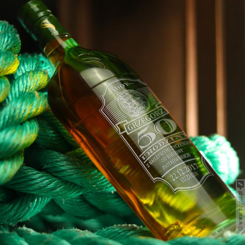 Zdjęcie produktu Ahoy Kapitanie - Starka Brown Spirit na urodziny z personalizacją