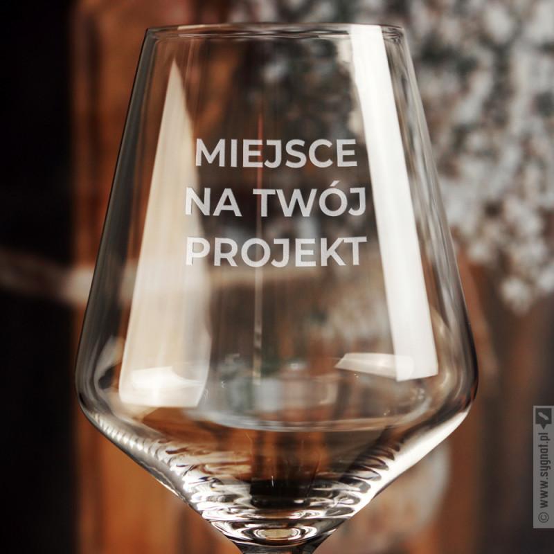 Zdjęcie produktu Kieliszek do wina z własną personalizacją
