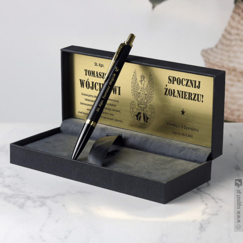 Zdjęcie produktu Spocznij Żołnierzu - grawerowany długopis Parker z personalizacją dla wojskowego